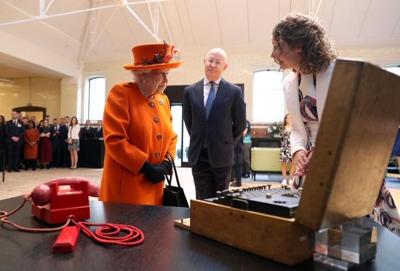 UK queen posts Instagram image on Science Museum tour