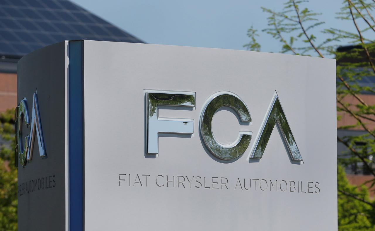 Fiat Chrysler Recalling 965 000 U S Canadian Vehicles Over Excess Emissions