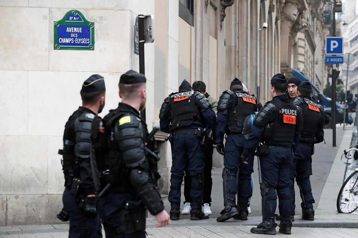 French military join police to tackle latest 'Yellow Vest' protest