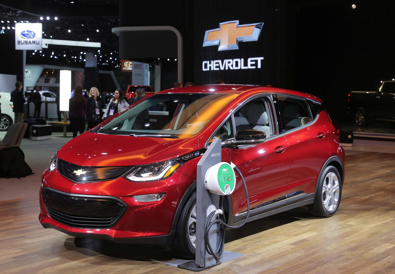 Gm Says No Cut In Chevy Bolt Sticker Price As U S Tax Credit For Evs Drops
