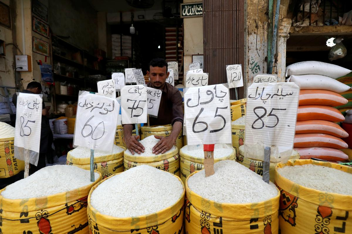 'Erasing the poor': Pakistanis feel crunch of rising prices
