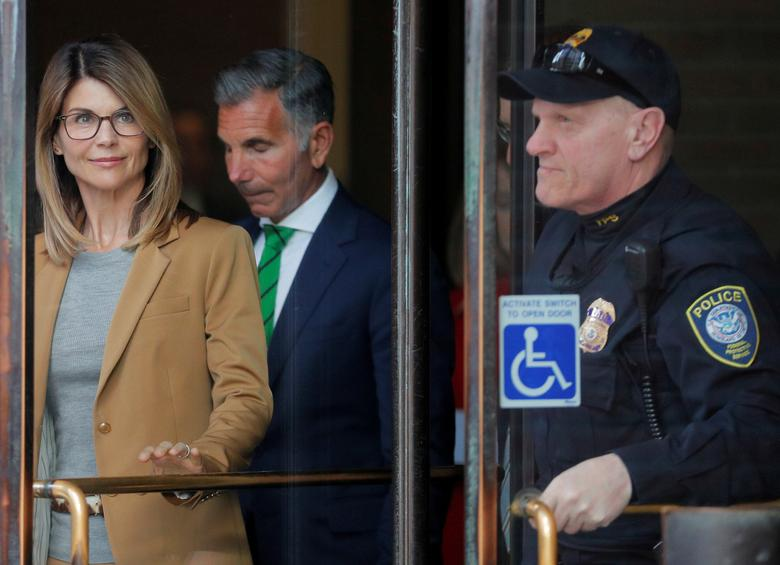 Actress Lori Loughlin Pleads Not Guilty In College Admissions Case Reuters Com