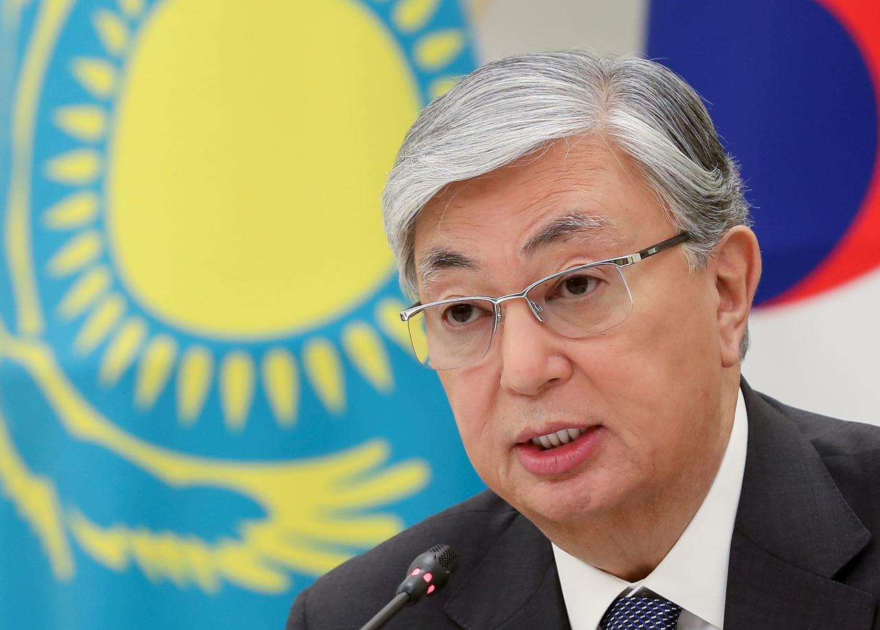 e52f00821 Kazakhstan's Tokayev gets veteran leader's backing for presidency ...