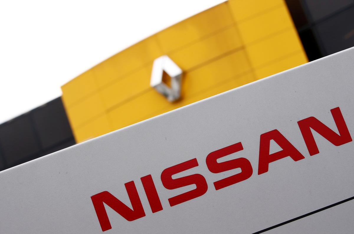 Renault to propose joint holding company with Nissan: source