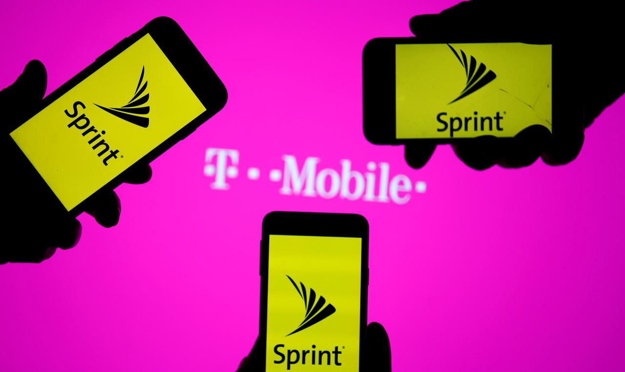 Sprint, T-Mobile push back deadline to complete merger - Reuters
