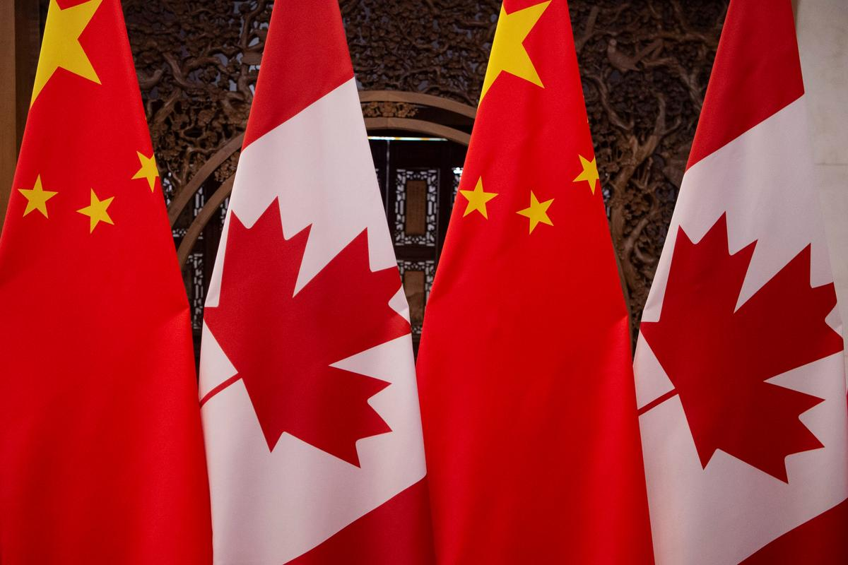 Fed up Canada tells U.S. to help with China crisis or forget about favors