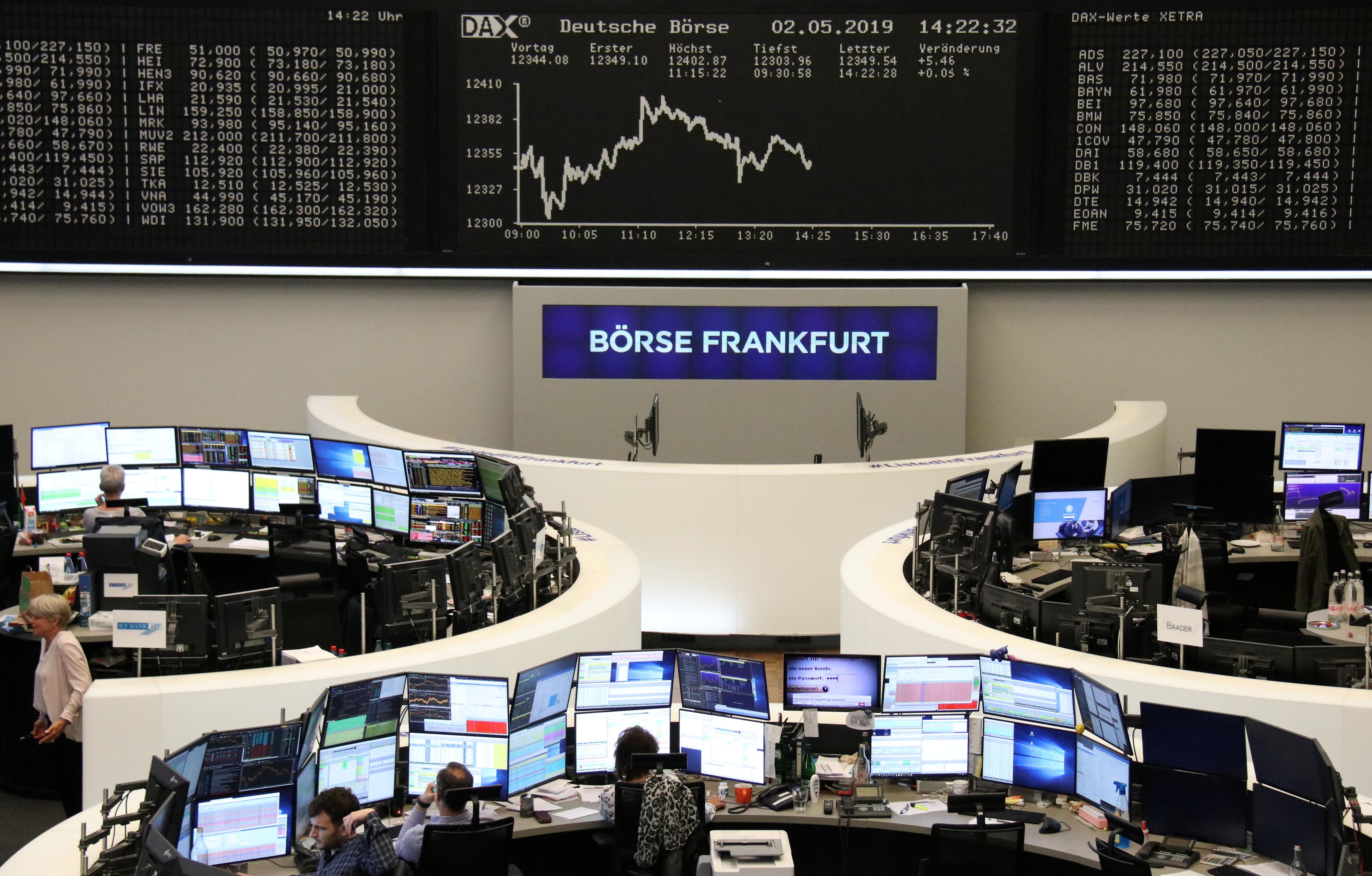 Trade worries push down shares, oil prices, U S  Treasury