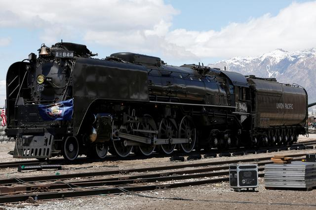 Bells, whistles and steam herald U S  Transcontinental Railroad's