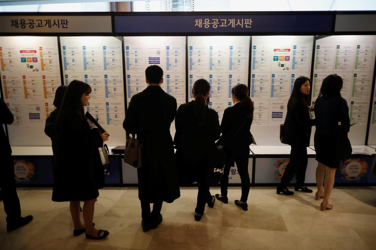 South Korea's latest big export: Jobless college graduates