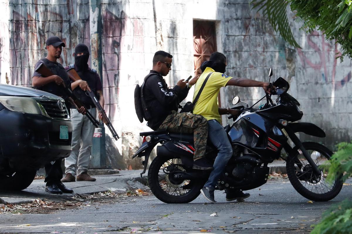 Venezuela ex police commissioner Simonovis has left house arrest: Guaido