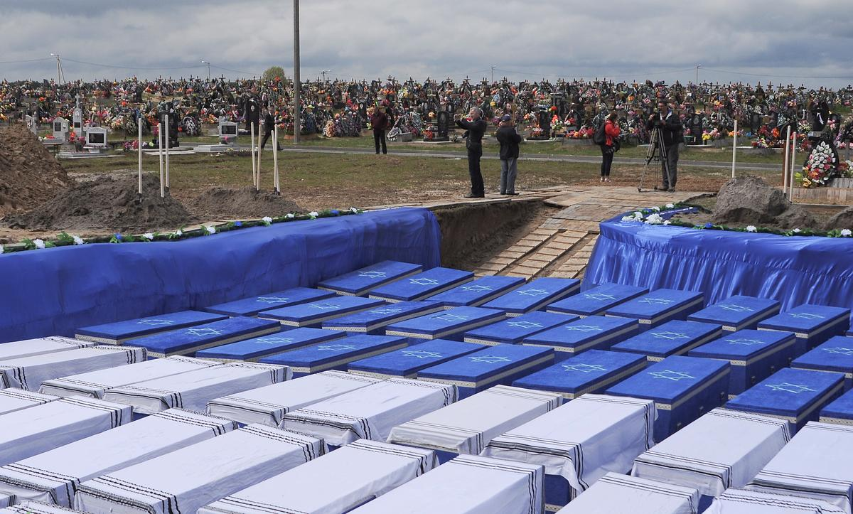 Belarus reburies over 1,200 Jews unearthed in Nazi-era mass grave