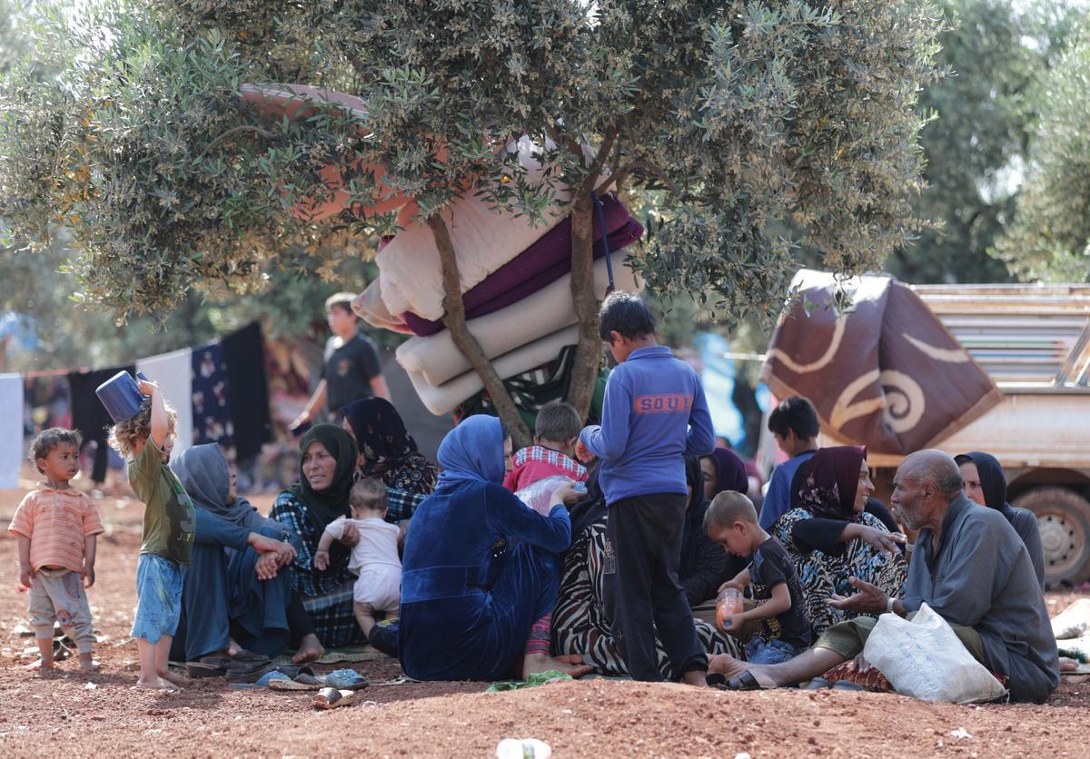 تزايد أعداد النازحين من شمال غرب سوريا مع احتدام القتال - Reuters