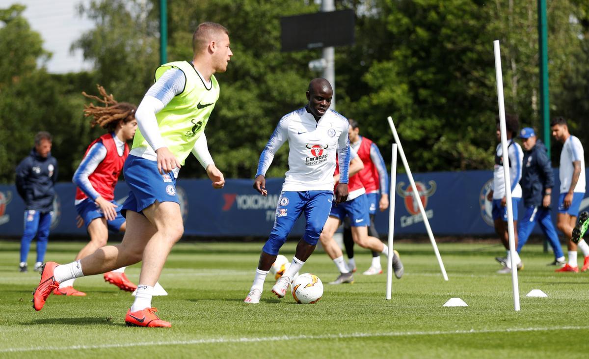 Soccer: Chelsea's Kante a doubt for Europa League final