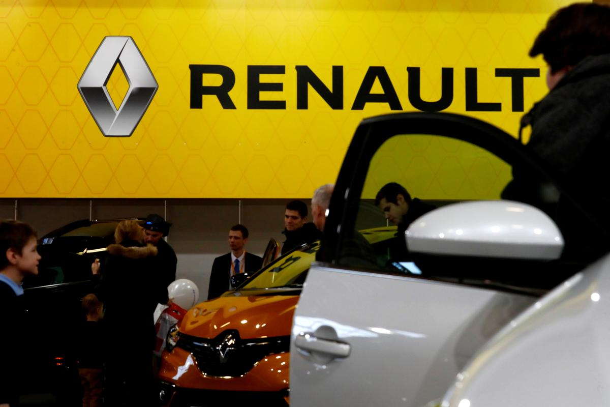 French government: looking 'reasonably favorably' on Renault/Fiat deal