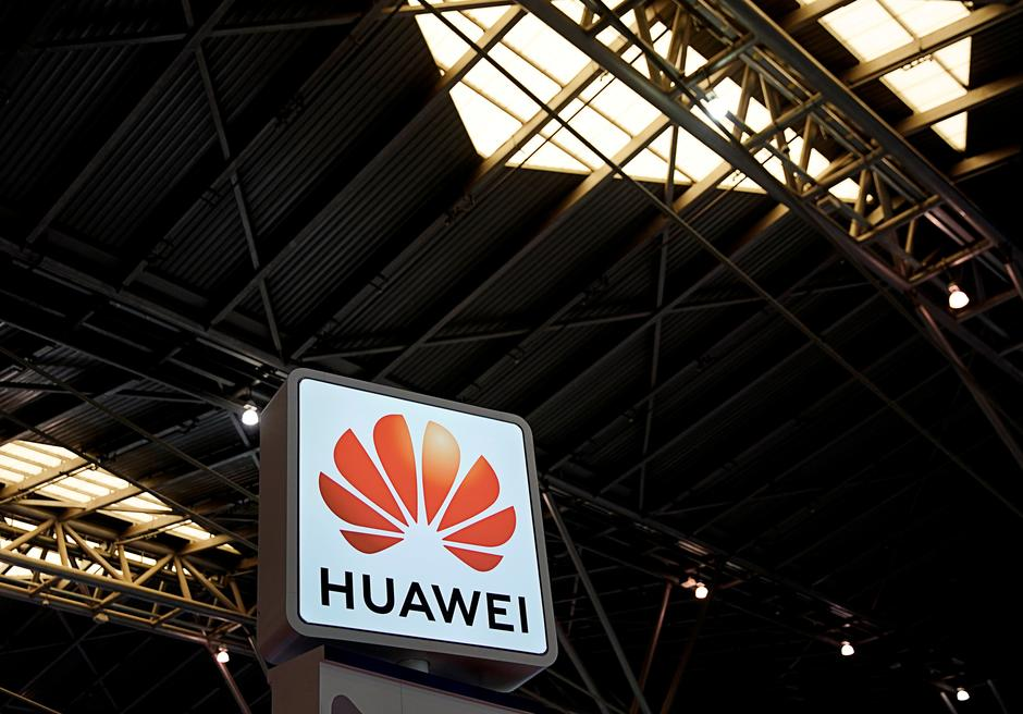 Exclusive: Huawei reviewing FedEx relationship, says