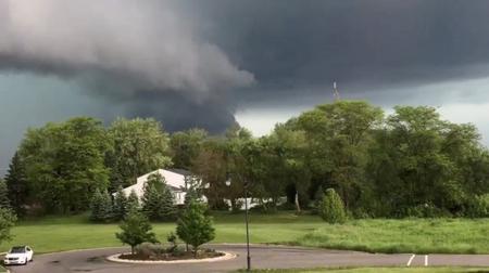 Flooded Arkansas, Oklahoma brace for more rain; Southeast gets record heat