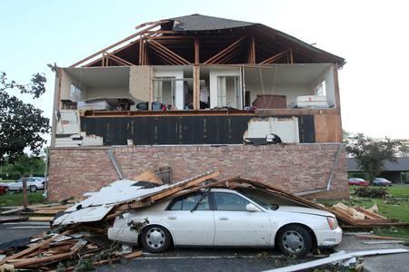 One killed, dozens hurt by Ohio tornadoes as U.S. Midwest braces for more