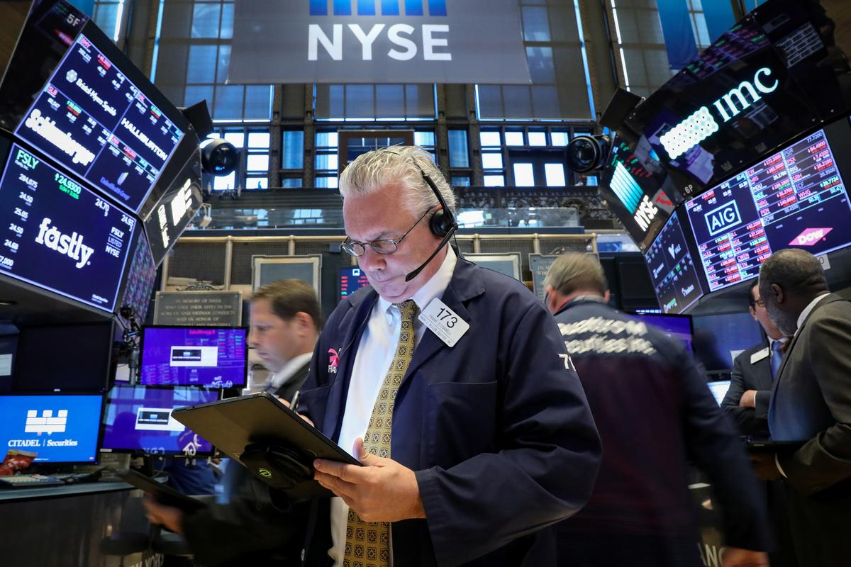 Wall St. falls at open on Trump's Mexico threat