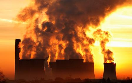 UK costs to cut greenhouse emissions 40% higher than thought: FT