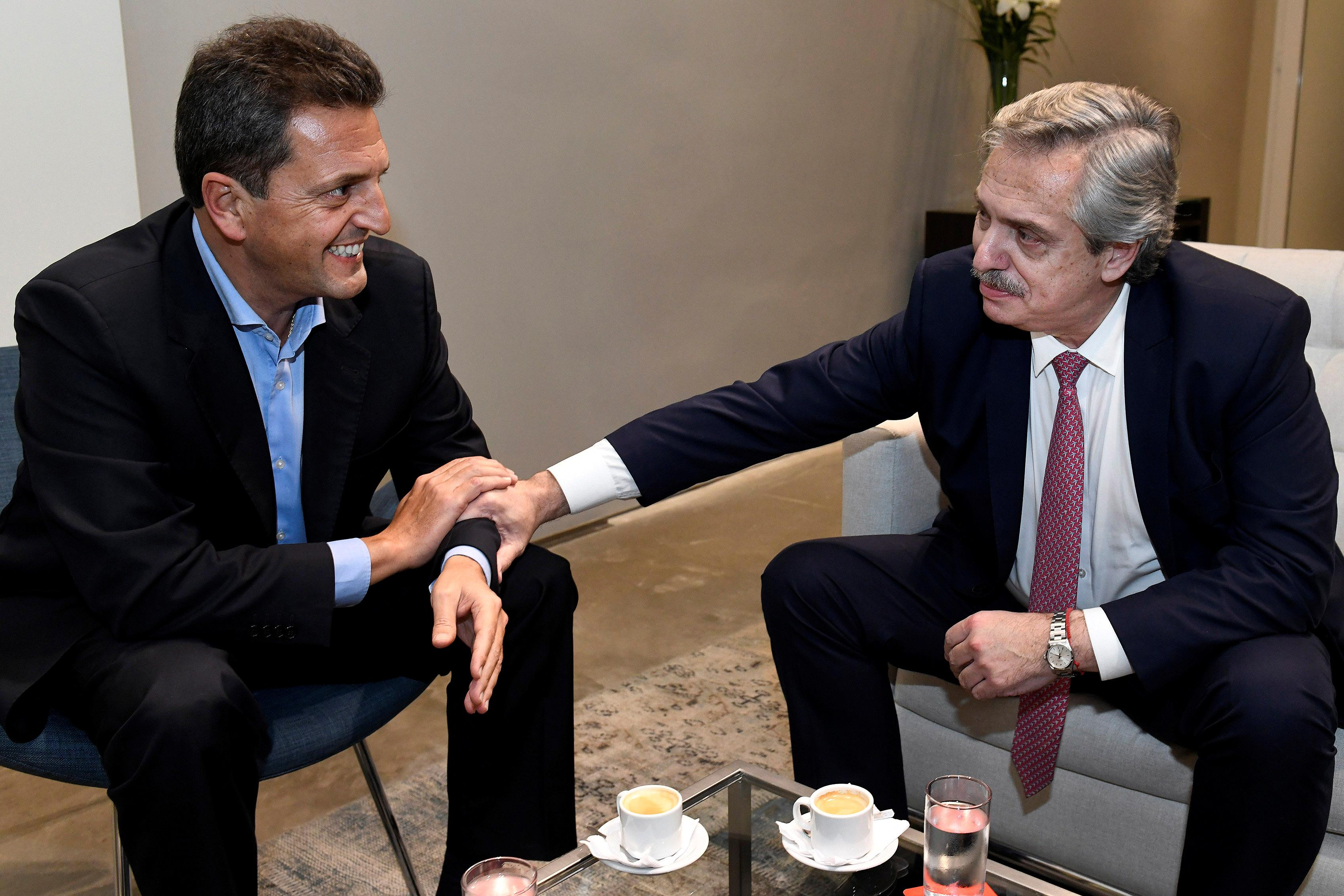 Macri's key rivals in Argentina presidential election strike alliance with centrist