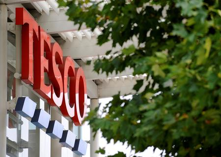 Tesco's sales growth slows in subdued UK market