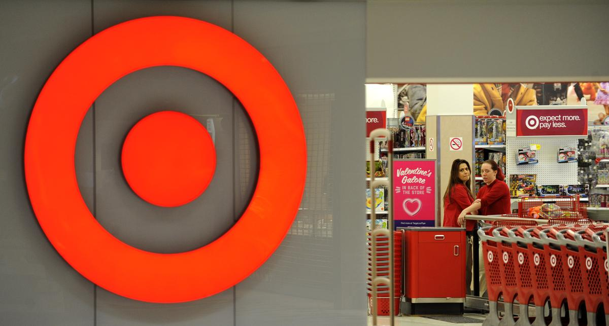 Target says payments vendor faces glitch; registers back online