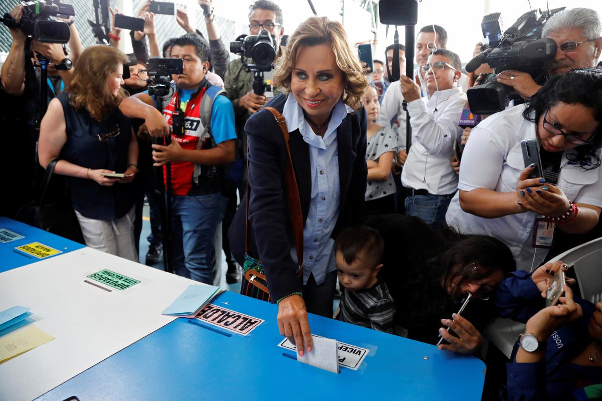 Guatemala's center-left candidate Torres takes early lead in election
