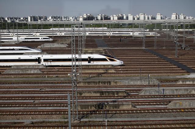 中国、国有鉄道運営会社を再編 「中国国家鉄路集団」に社名変更 | Reuters