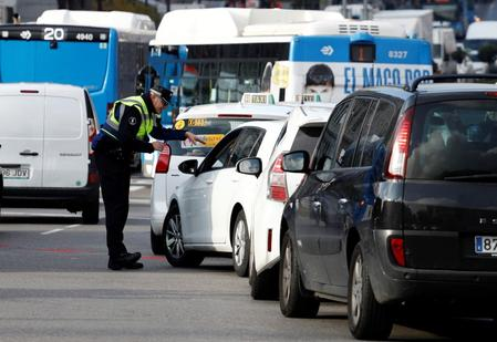 Madrid to suspend car restrictions in city center, EU issues warning