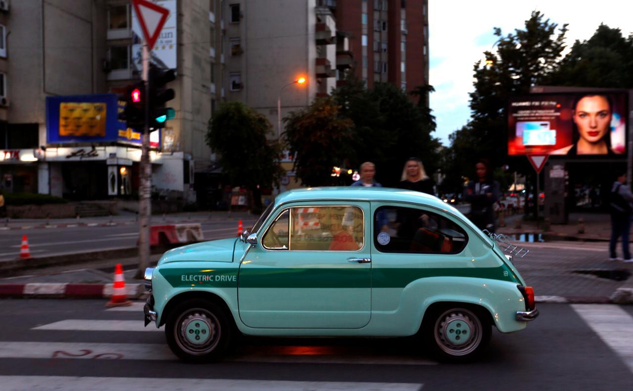Культовый автомобиль прошлого века Zastava 750 теперь электрокар.