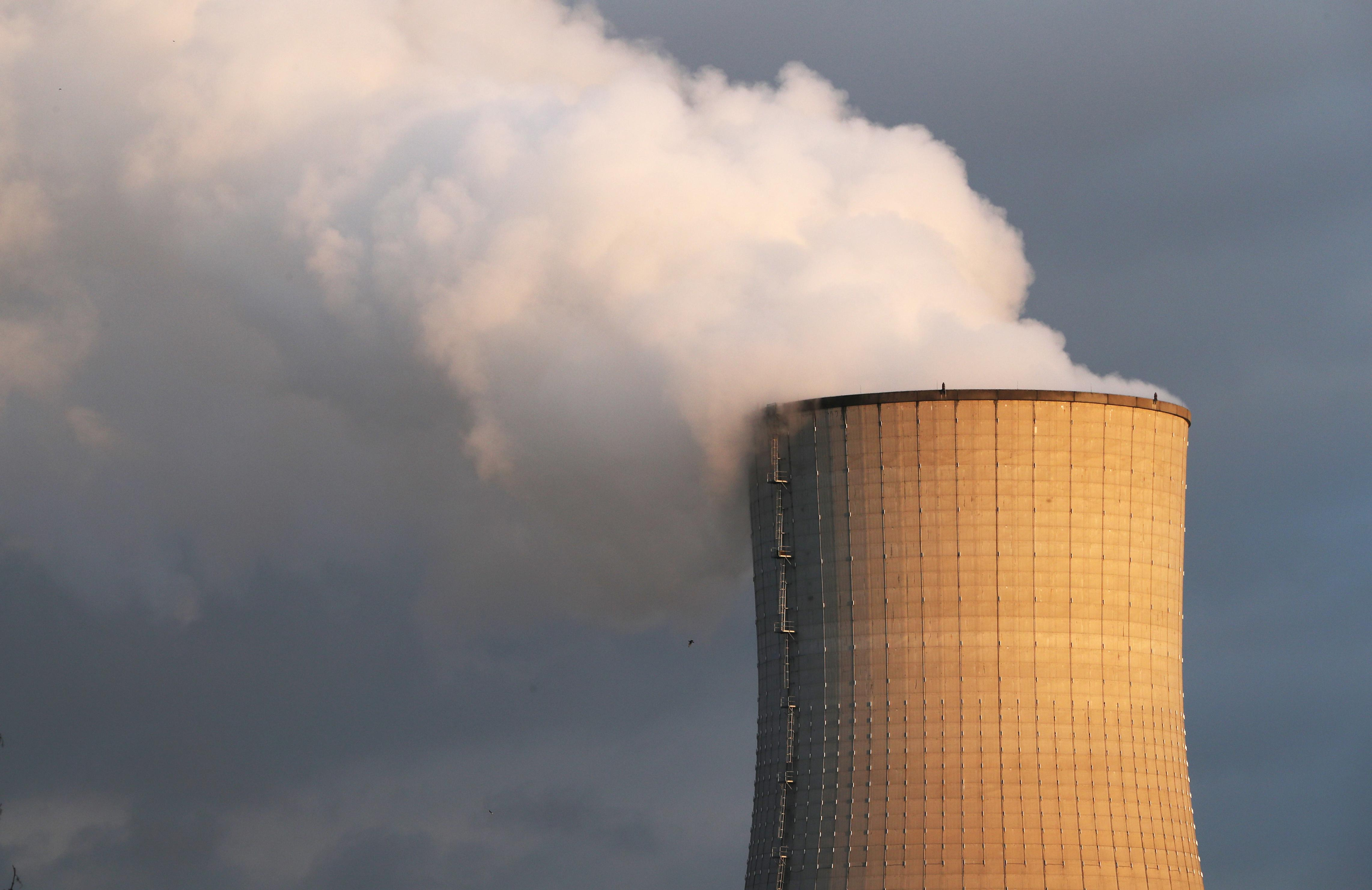 Emissions need to be halved to avoid 3C warming: scientists