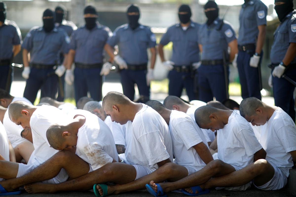 El Salvador takes aim at imprisoned gang leaders ability to make calls