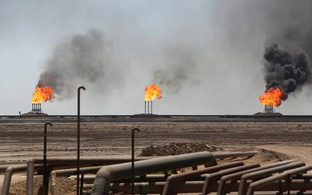Oil mixed on crude demand fears and U.S.-Iran tensions