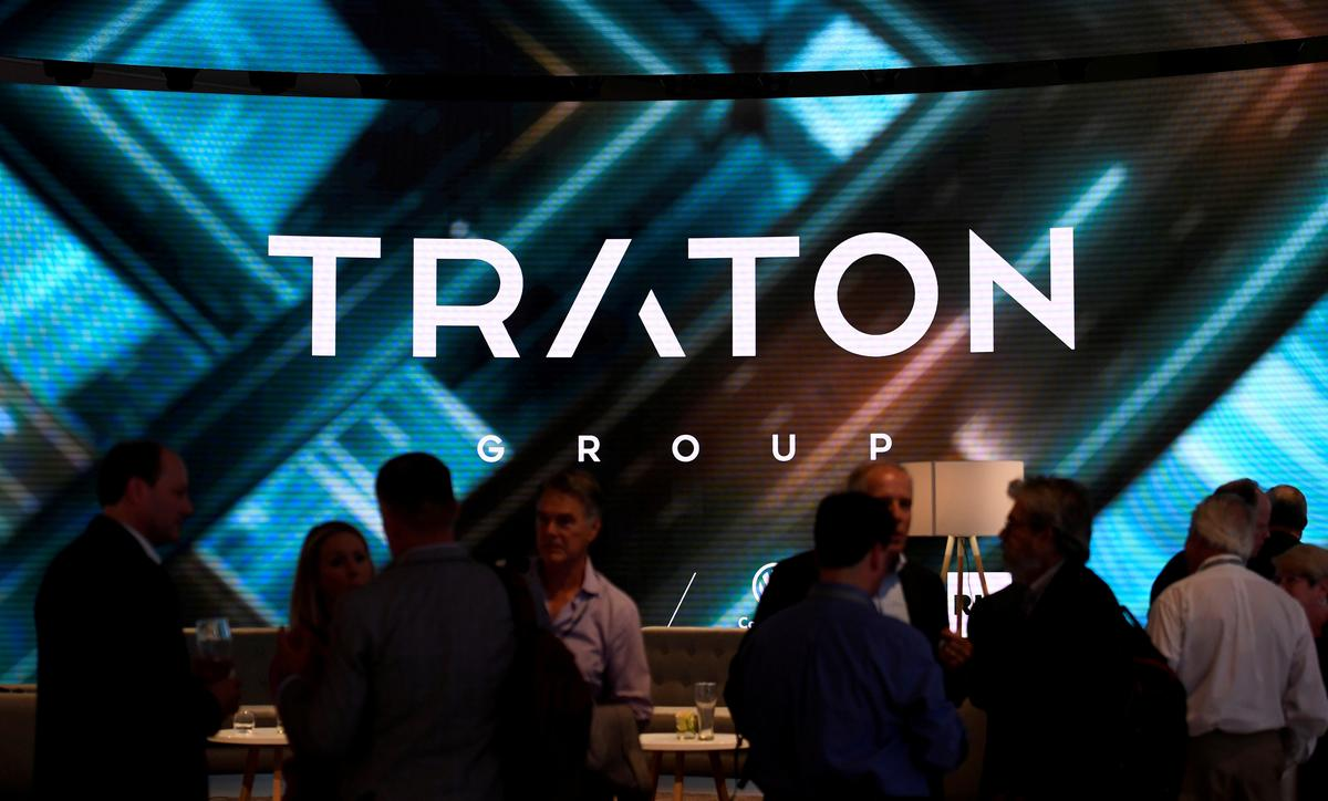 Traton trading at mid-point of IPO range in gray market