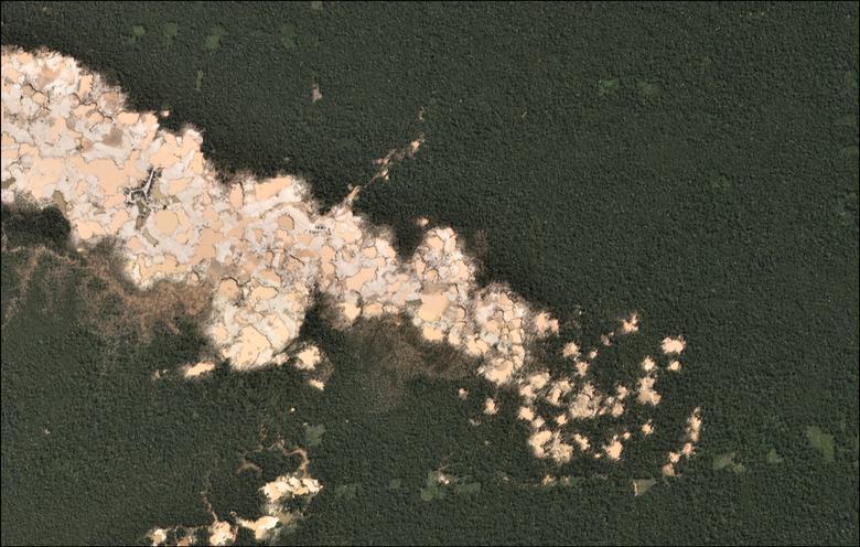 La deforestación de la minería de oro se observa en la región sur de la Amazonia de Madre de Dios, Perú. REUTERS / Archivos