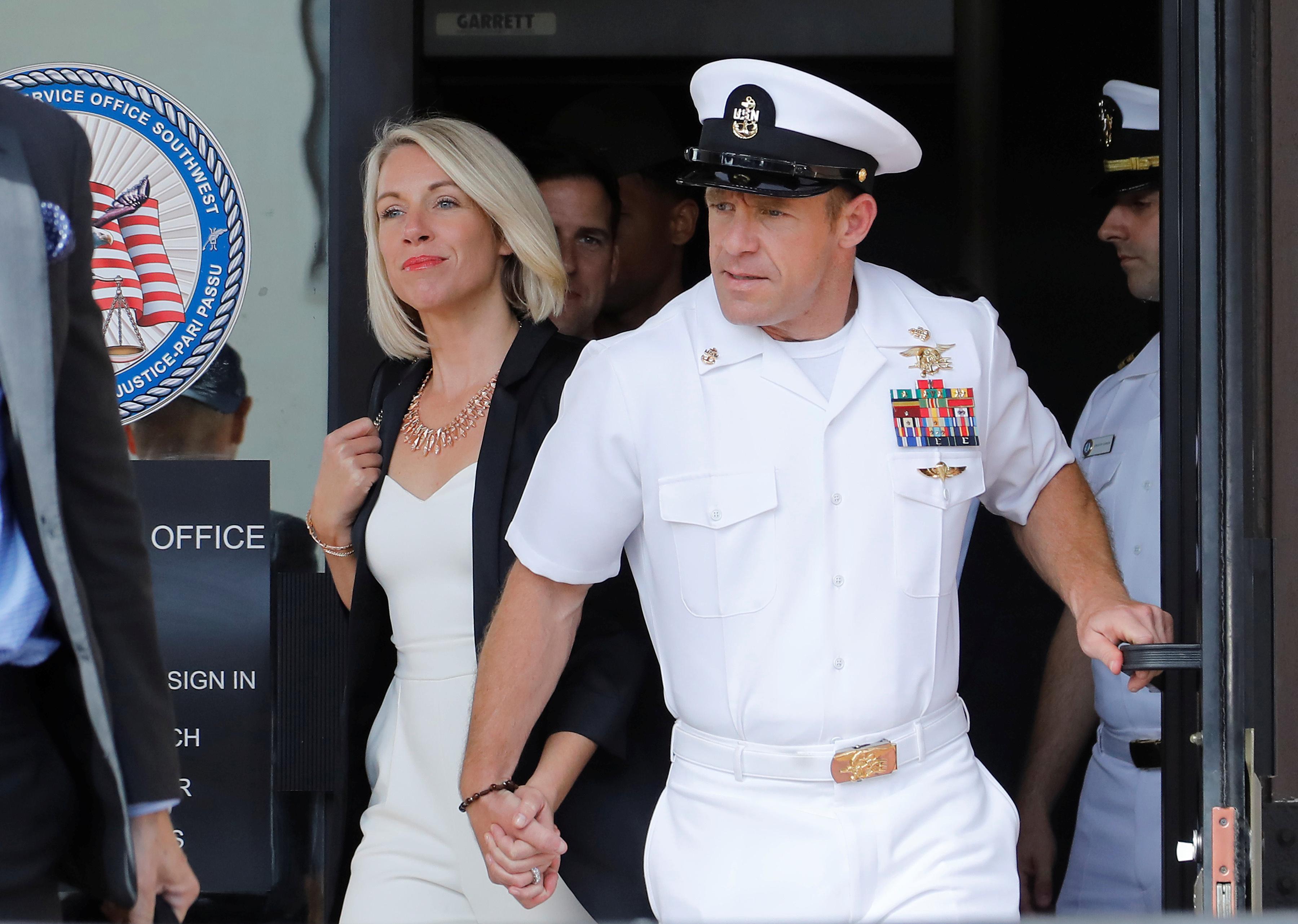 La marine américaine SEAL a épargné la prison mais a été rétrogradée après le procès pour crimes de guerre