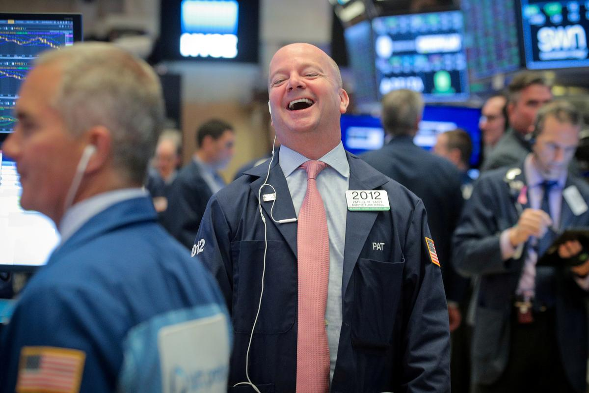 Stocks rise on firm rate-cut expectations though trade worries loom