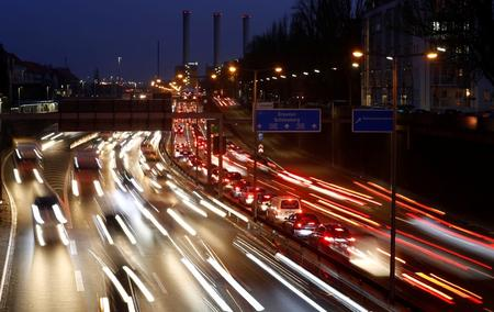 German experts report recommends CO2 price for cars, buildings