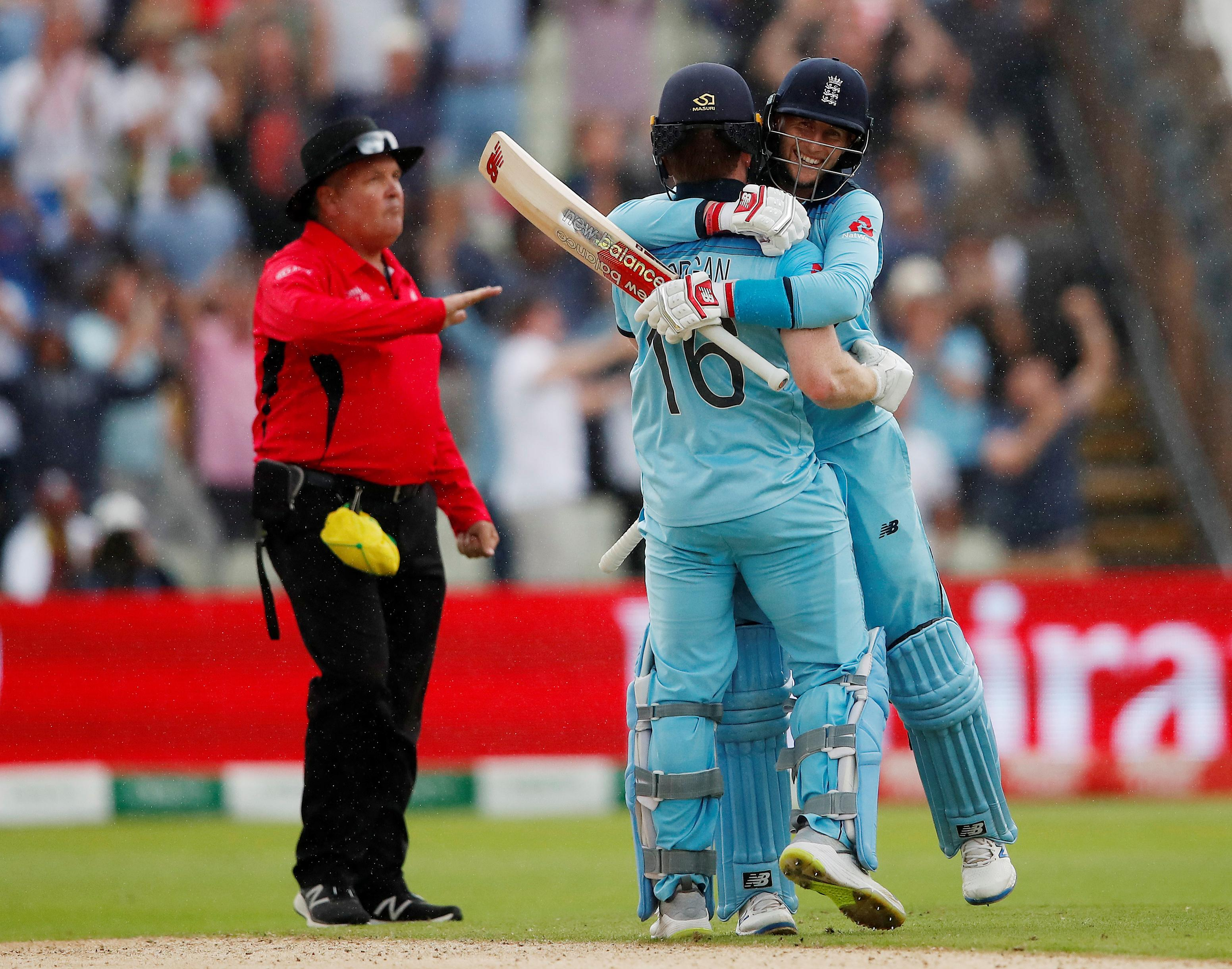 England could bring World Cup high into Ashes, says Ponting