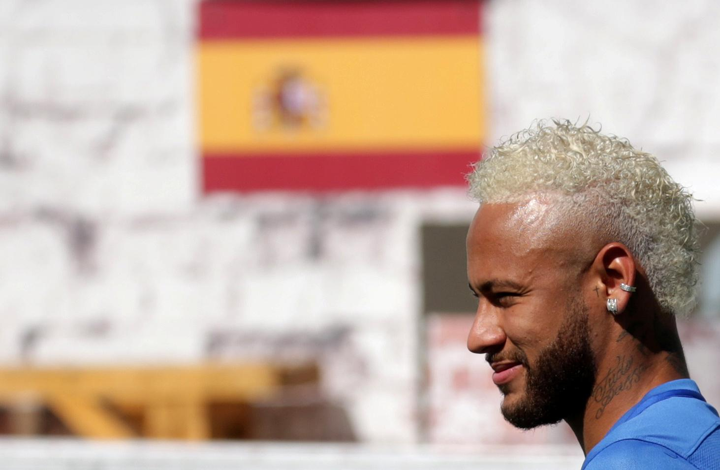 Neymar raises new speculation about Barca with social media post