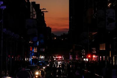 Blackout hits parts of Manhattan