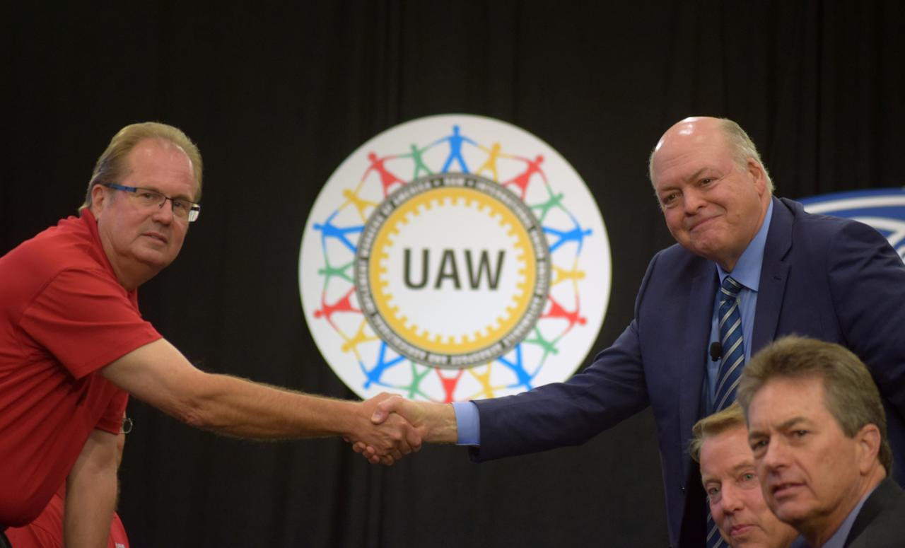 UAW head wants union to share in profits of U S  automakers - Reuters