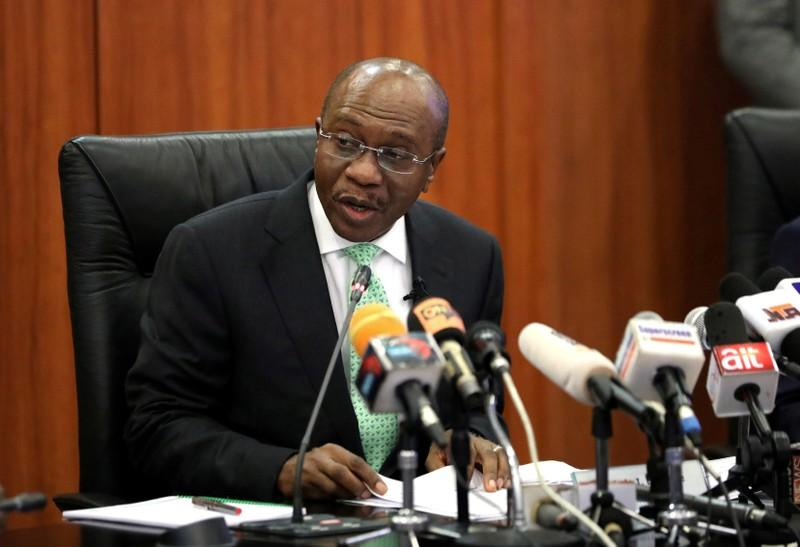 Nigeria's central bank tries to force banks to lend, not buy bills