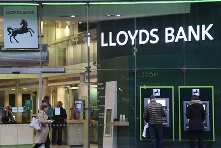 Lloyds and Standard Life Aberdeen to settle 100 billion sterling funds row: Sky News