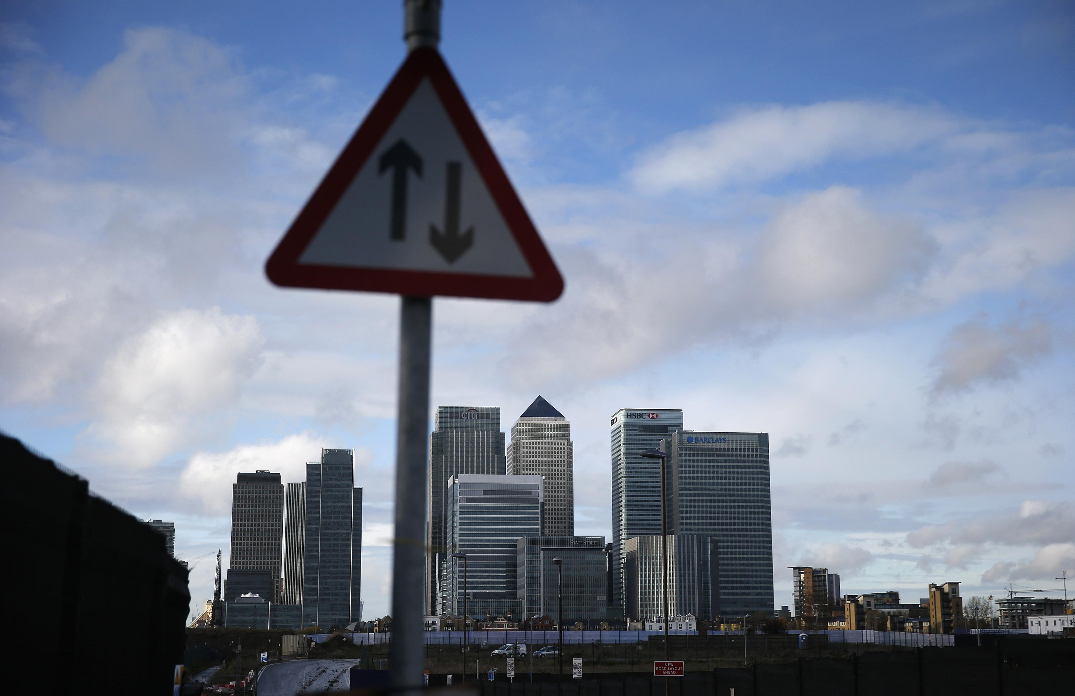 UK financial watchdog proposes contingent charging ban for pensions