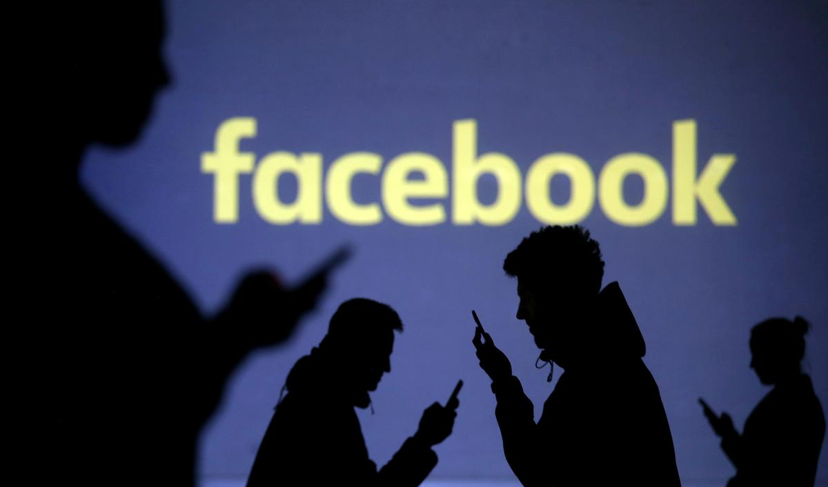 Facebook Approaches Netflix, Disney to Support TV Chat Device: The Information