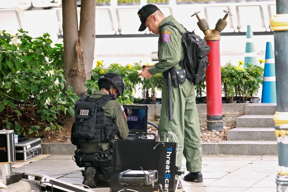 Bombs hit Bangkok during major security meeting - Reuters