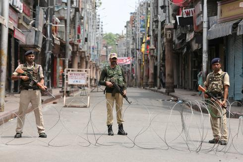Indian Kashmir seethes under clampdown