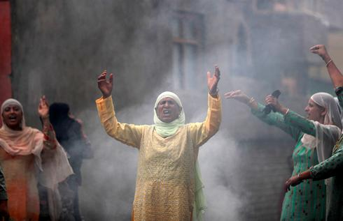 Life under lockdown in Kashmir