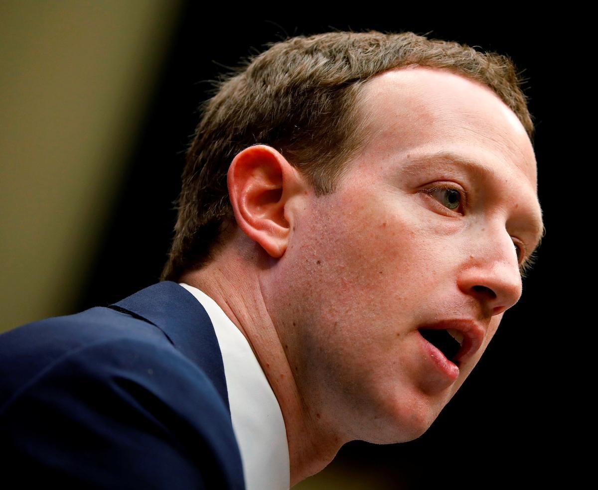 Democratic U.S. Senator Asks Facebook CEO if He Gave 'Incomplete' Testimony